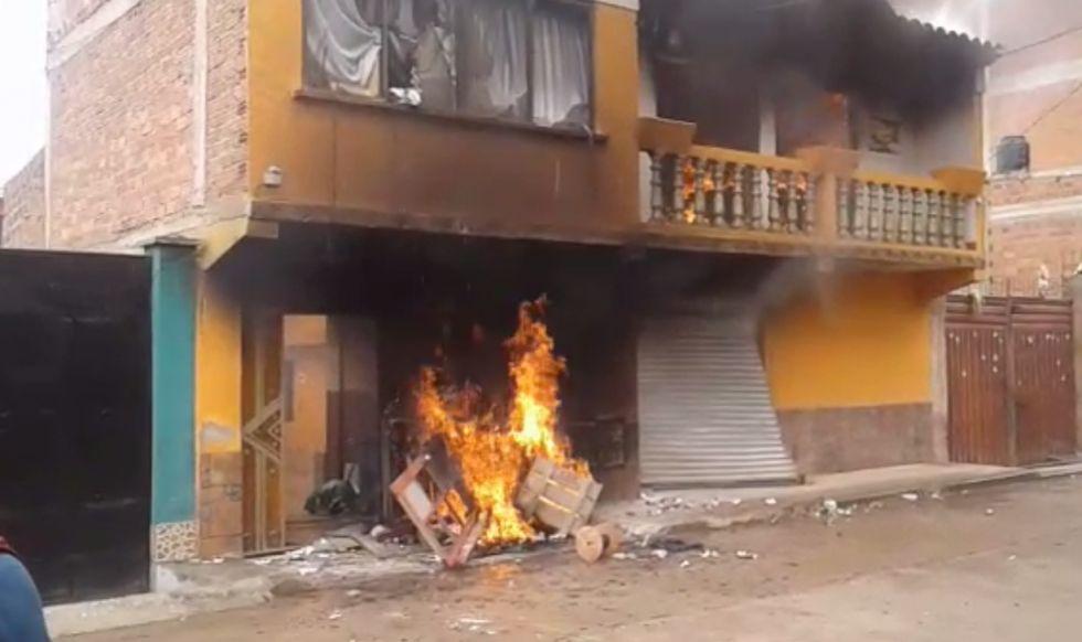 Ministro de Minería de Bolivia dimite tras quema de su casa