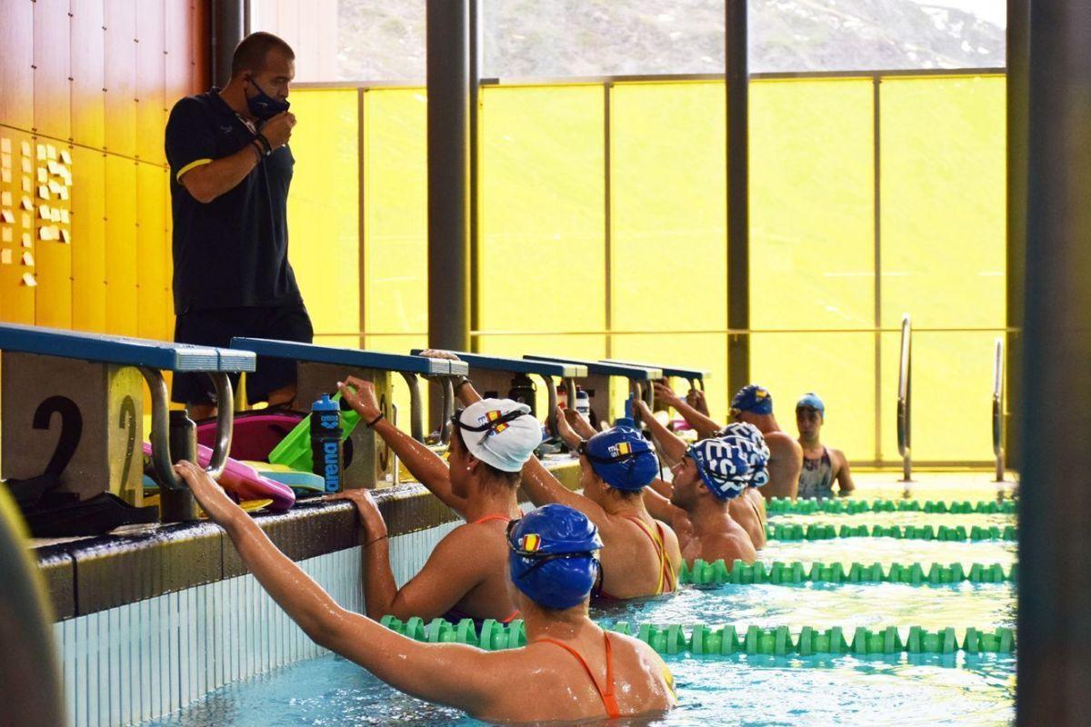 Part de la selecció espanyola absoluta de natació d'stage a Pas de la Casa