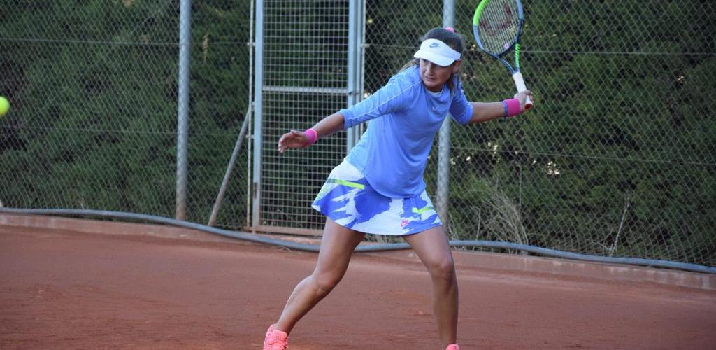 Jiménez Kasintseva guanya el partit de segona ronda de l'ITF de Villena 6-2 i 6-4