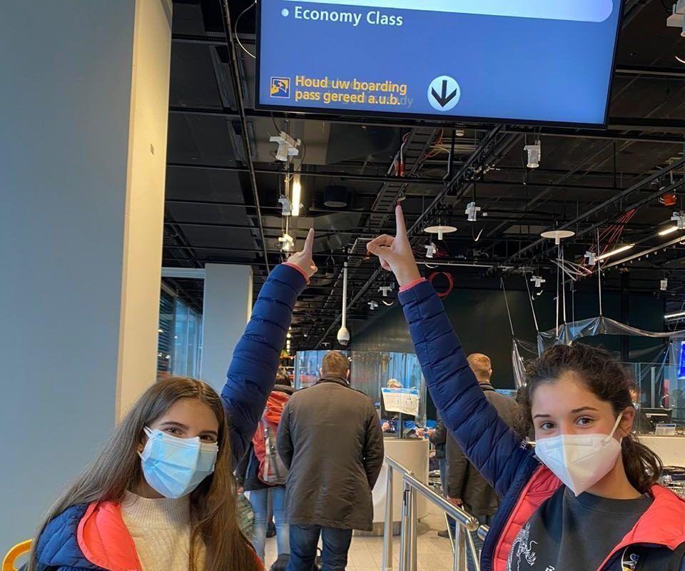 """La delegació andorrana de gimnàstica viu una """"aventura"""" per arribar a Kiev"""