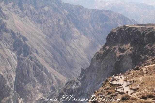 Mirador Cruz del Condor en el Cañon del Colca - Perú