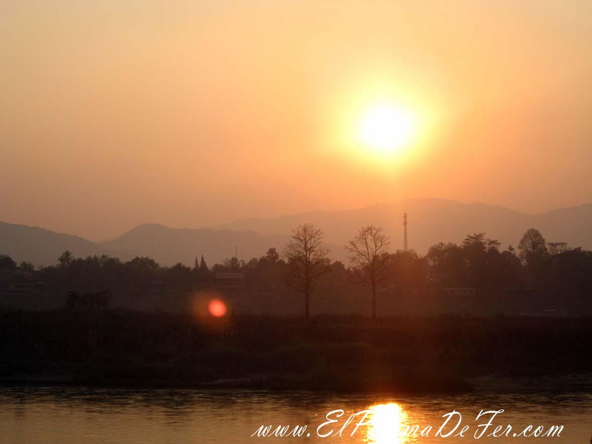Viaje en Slow Boat hacia Luang Prabang, Laos