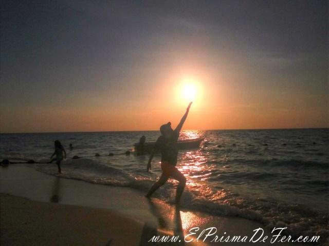 Atardecer en Playa Blanca en Isla Barú
