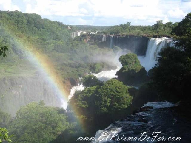 Vistas panoramicas desde el Circuito Superior del Parque Nacional Iguazú