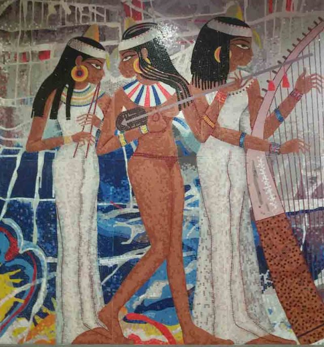 Mural en el aeropuerto de El Cairo