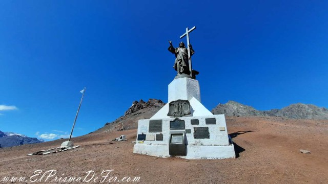 Cristo Redentor en el limite entre Chile y Argentina