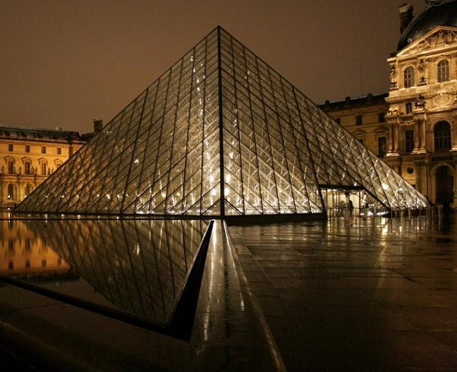 PiramideLouvre