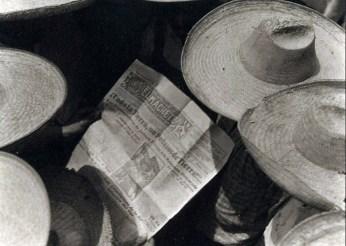 workers-reading-el-machete.jpg
