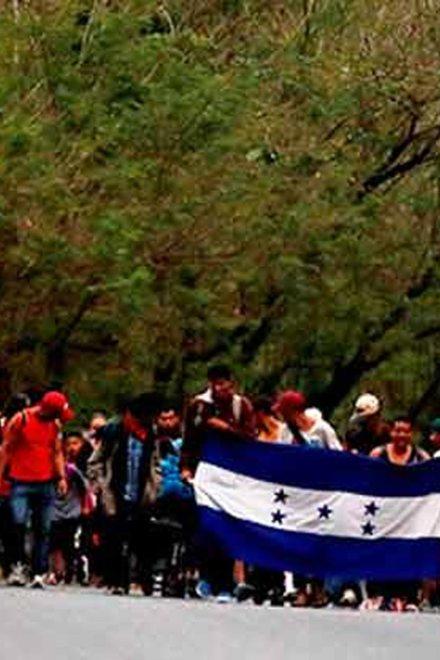 Avanzada de la caravana migrante llega a frontera de Guatemala con México