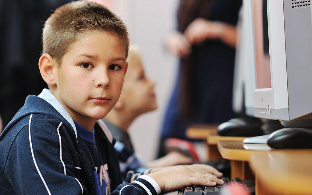 L'educació als centres és un programa per obtenir persones submises?