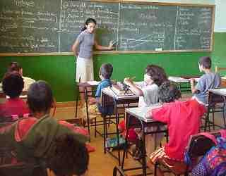 Maestros, dia del maestro, profesora, enseñar, alumno, clase, pizarra, escuela