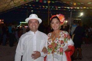 mau and wife