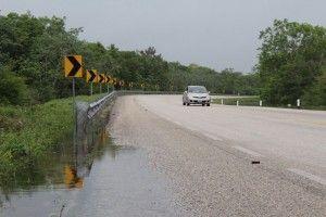 Inundación parcial de vía federal1