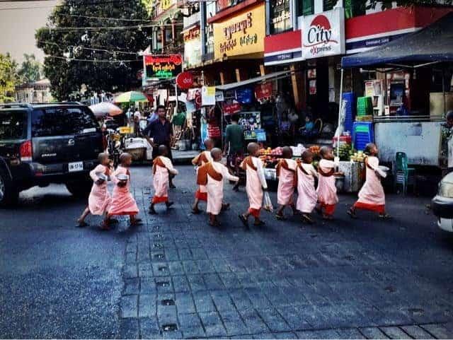 eLPuTocaRDi-SoulSearching-myanmar-nuns