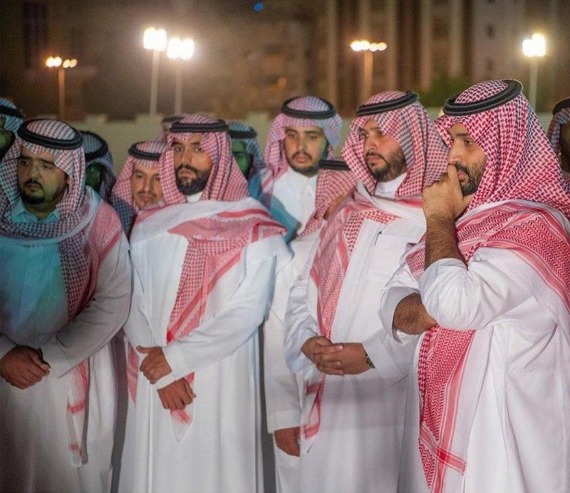 بالفيديو والصور الصلاة وتشييع جنازة الأمير بندر بن عبدالعزيز
