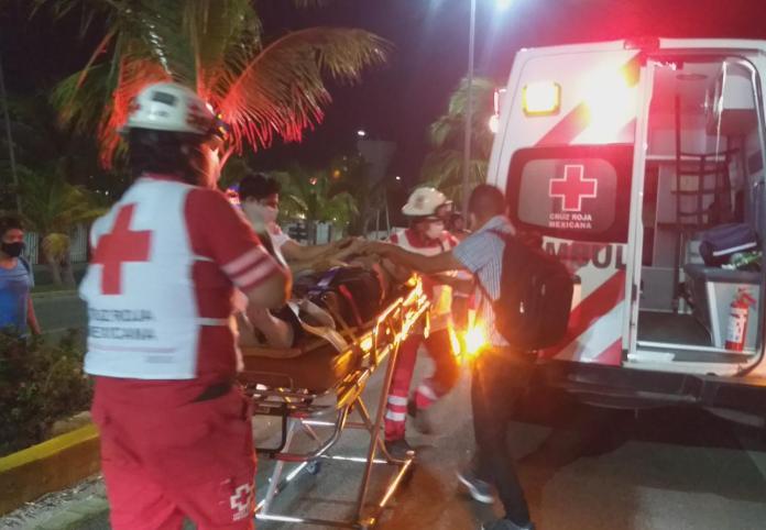 https://noticaribe.com.mx/2021/07/13/fatal-accidente-derrapan-dos-jovenes-en-motocicleta-frente-a-plaza-comercial-de-cancun-uno-muere-el-otro-esta-grave/