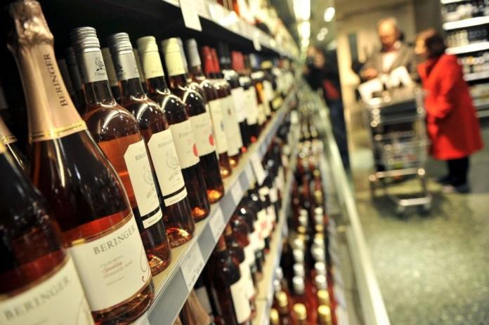 https://lucesdelsiglo.com/2020/04/09/restringen-horarios-para-venta-de-bebidas-alcoholicas-local/