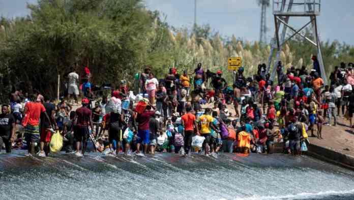 https://www.radioformula.com.mx/noticias/20210919/eu-cierra-su-frontera-con-mexico-en-del-rio-texas-para-frenar-migracion/