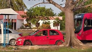 https://quintafuerza.mx/quintana-roo/muere-mujer-mientras-conducia-su-auto-en-cancun/