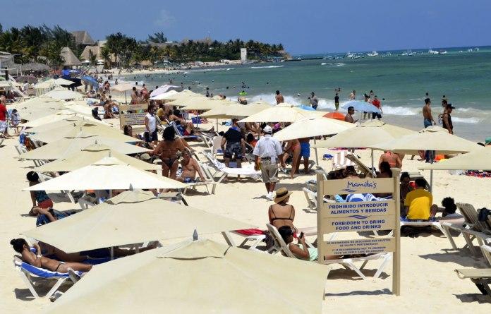https://expansion.mx/nacional/2018/03/16/eu-permite-a-sus-ciudadanos-viajar-a-cualquier-parte-de-playa-del-carmen