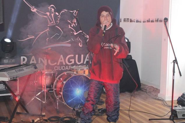 """El joven artista rancaguino """"2PR"""" que hizo una crítica social con su tema """"Ejemplo a seguir""""."""