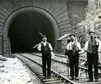 summit tunnel2