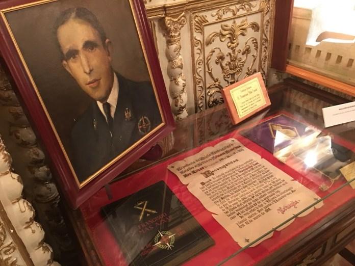 Expediente del Juicio contradictorio y concesión de la Cruz de Primera clase al soldado Más Aznar por su valor durante el incendio del polvorín del fuerte de San Miguel