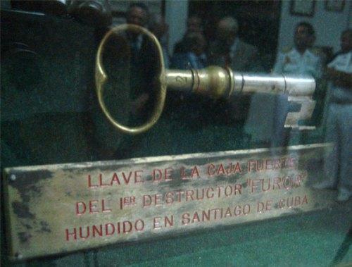 """Llave de la Caja Fuerte del destructor """"Furor"""" .-"""
