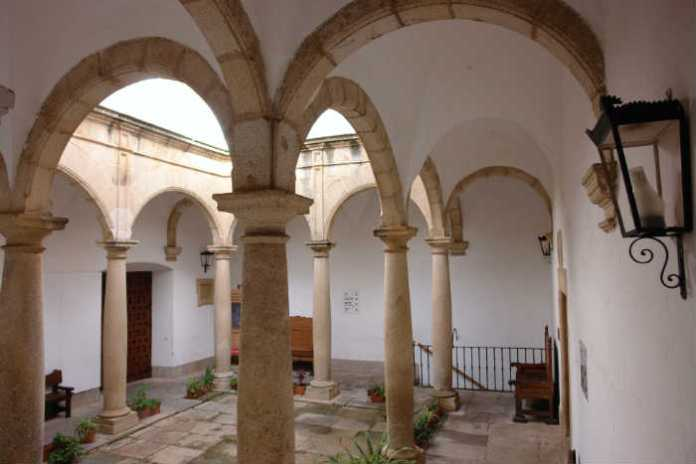 Patio de la Casa de las Veletas [Foto: www.mecd.gob.es]