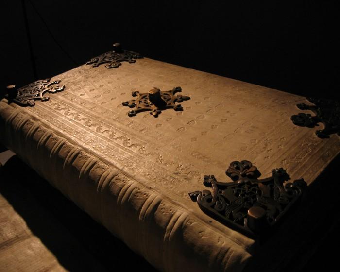 libros extraños misteriosos