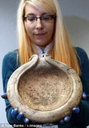 Mortero, utensilio de cocina que se usaba (y se usa) para macharar ciertos alimentos, como ajos, especias o hierbas aromáticas. TOM BANKS ©