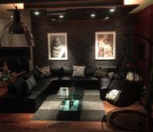 Dos fotografías en la casa de un comprador. Foto FB.