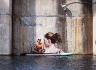 """""""Hula"""", el artista que pinta sobre el agua"""