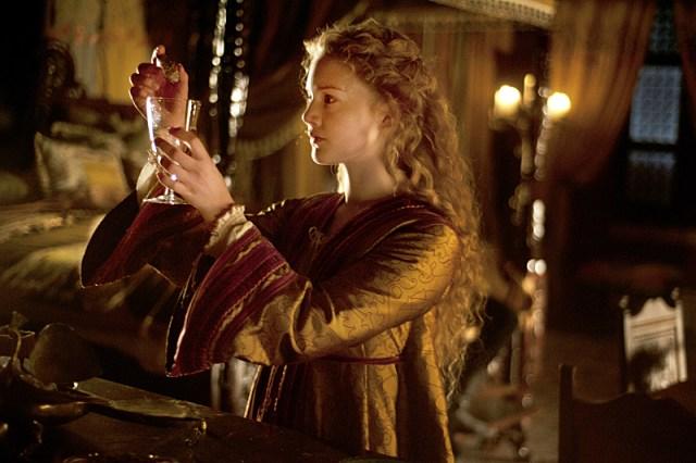 Holliday Grainger como Lucrezia Borgia en Los Borgia (2013)