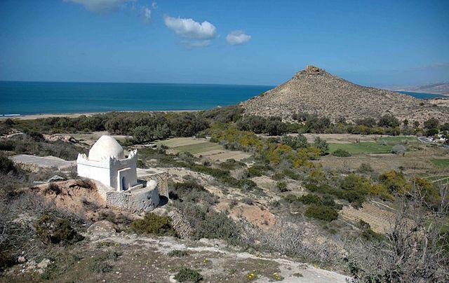 Morabo de Sidi Mesaud y colina de Cazaza