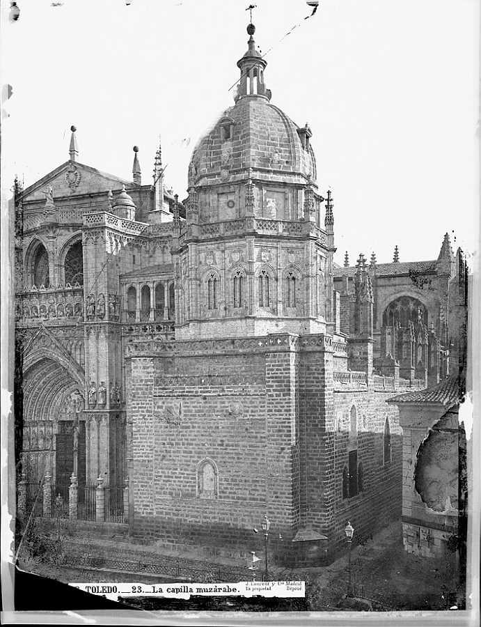 Capilla mozárabe de la Catedral de Toledo fotografiada por J.Laurent