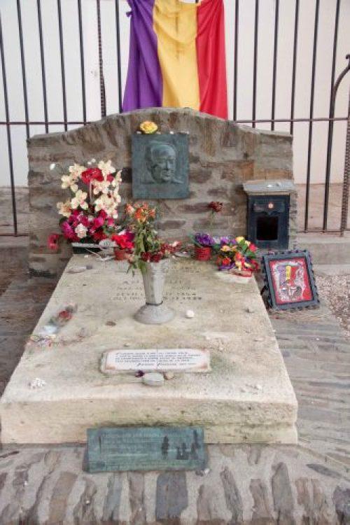 tumba de Antonio Machado