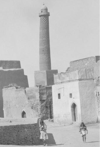 El minarete de la Mezquita de en Nuri al-Mosul, Irak (1172, Destruido en 2017).