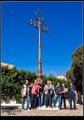 """El grupo de fotógrafos melillense """"PhotoWalkMelilla"""" en el centenario de la farola (año 2009) Foto de Antonio J. Lara González."""