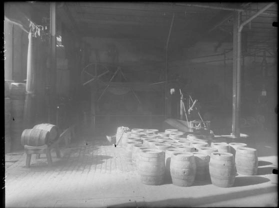 interior de la Fábrica de cervezas El Águila (Arch Ruiz Vernacci 1934)