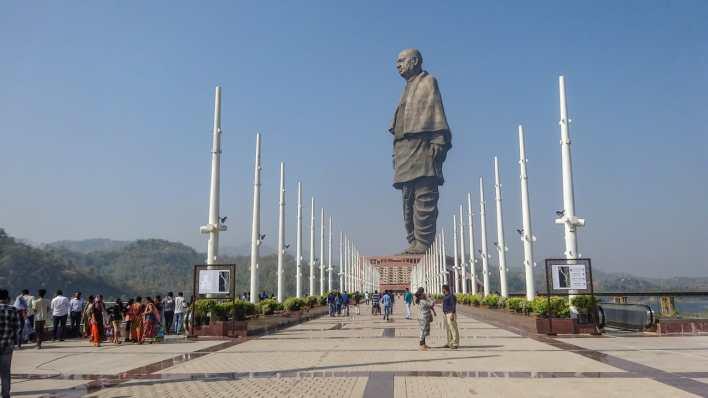 escultura grande mundo india