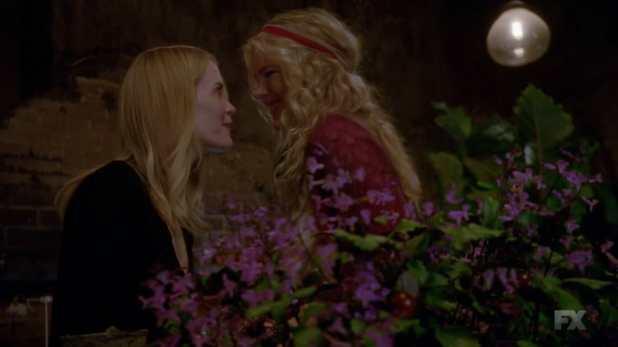 Cordelia y Misty Day unen sus conocimientos para proteger el aquelarre