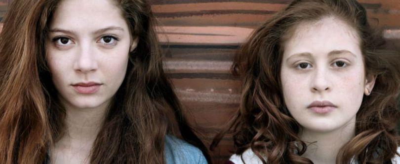 Les Revenants 1x08 La Horde - Lena y Camille