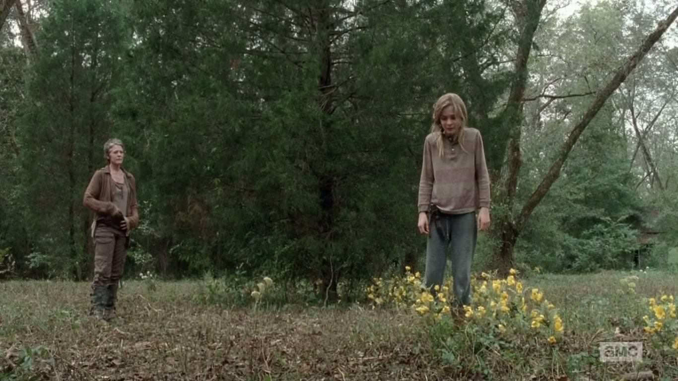 The Walking Dead 4x14 The Grove - Carol mata a Lizzie
