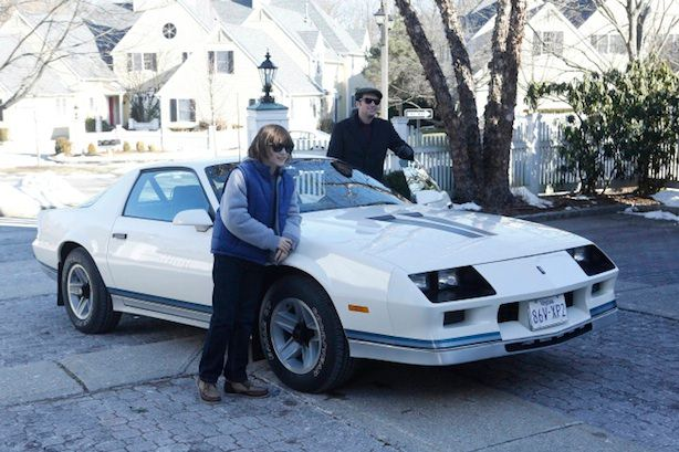 The Americans 2x08 - Phillip y su hijo con su nuevo Camaro