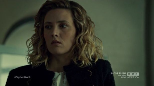 Orphan Black 2x06: Delphine se da cuenta que el tratamiento para la enfermedad de Cosima podría contener células madre de Kira.