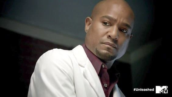 Seth Gilliam es Alan Deaton en Teen Wolf