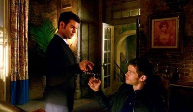 ls 1x19 An Unblinking Death - Elijah y Klaus