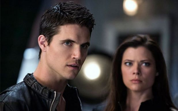 The Tomorrow People 1x21 Kill Switch - Stephen y Cara