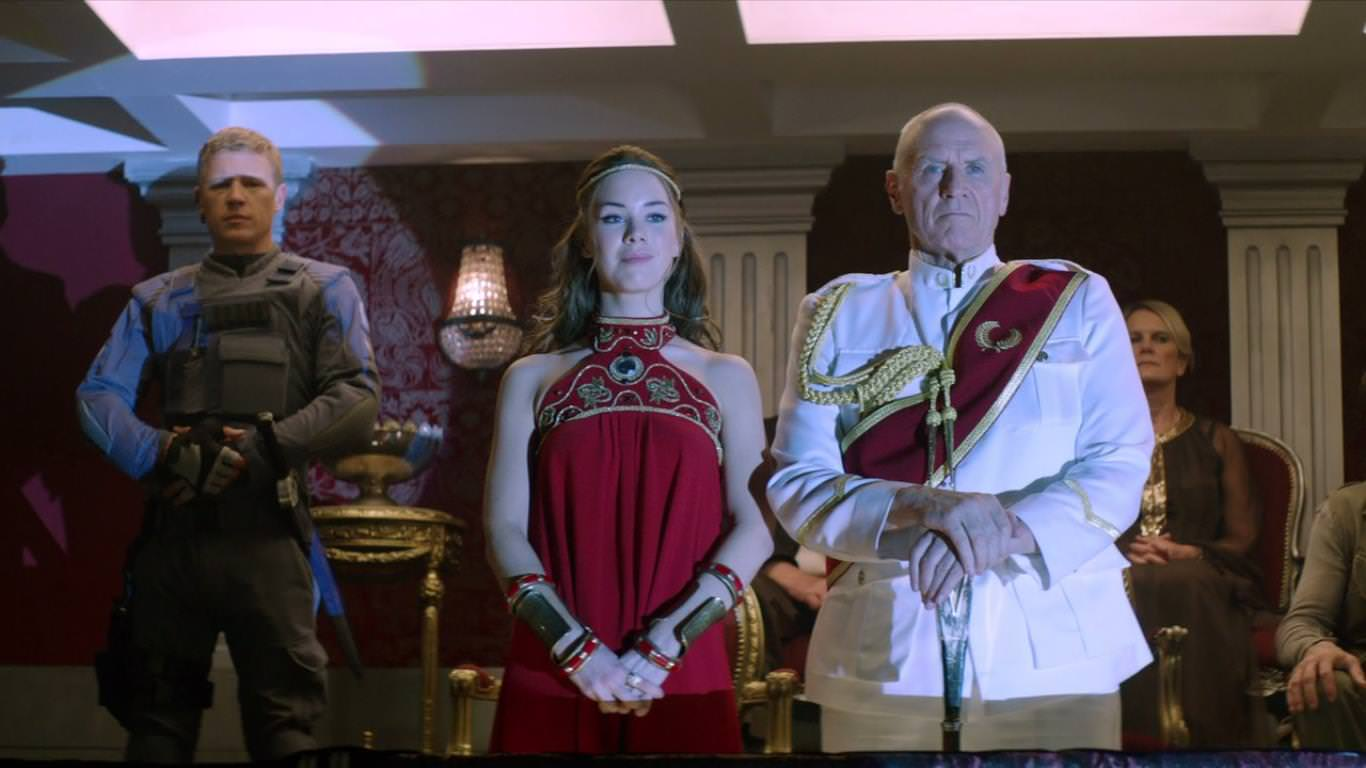 Piloto de Dominion de SyFy - Claire está comprometida con William pero tiene a Alex como amante